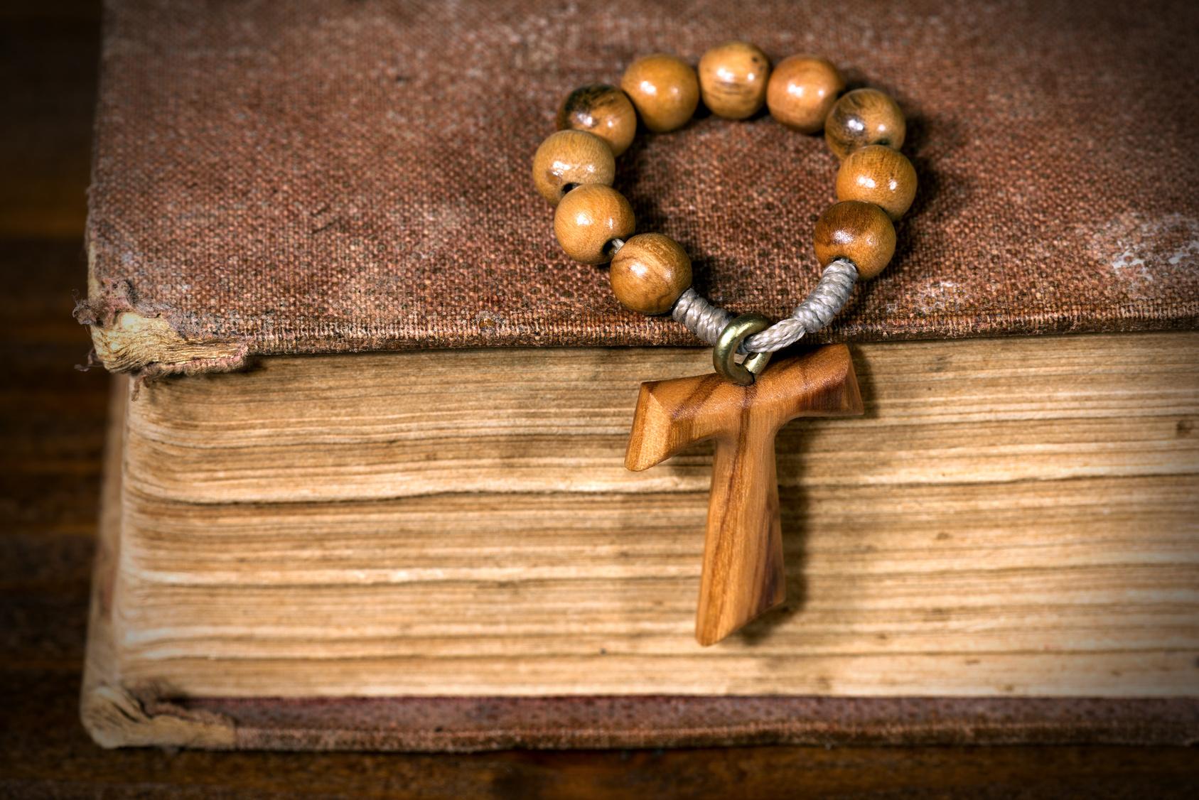 Tau francescano in legno